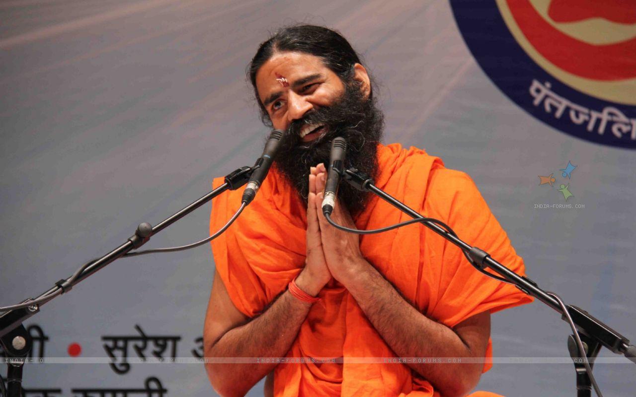 132923-yogi-rishi-swami-ramdev-interaction-on-the-subject-of-enrichmen.jpg