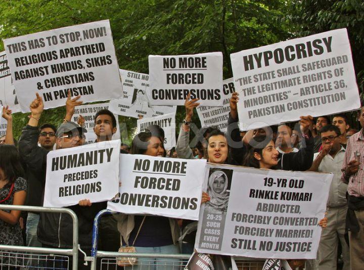 Pak Embasy protest 3