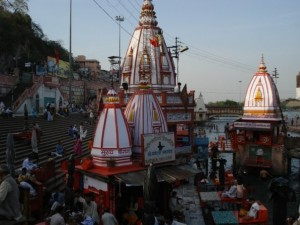 Sacred-and-Old-Hindu-temples-300x225