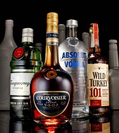 esq-01-drinking-0812-lg-61903149