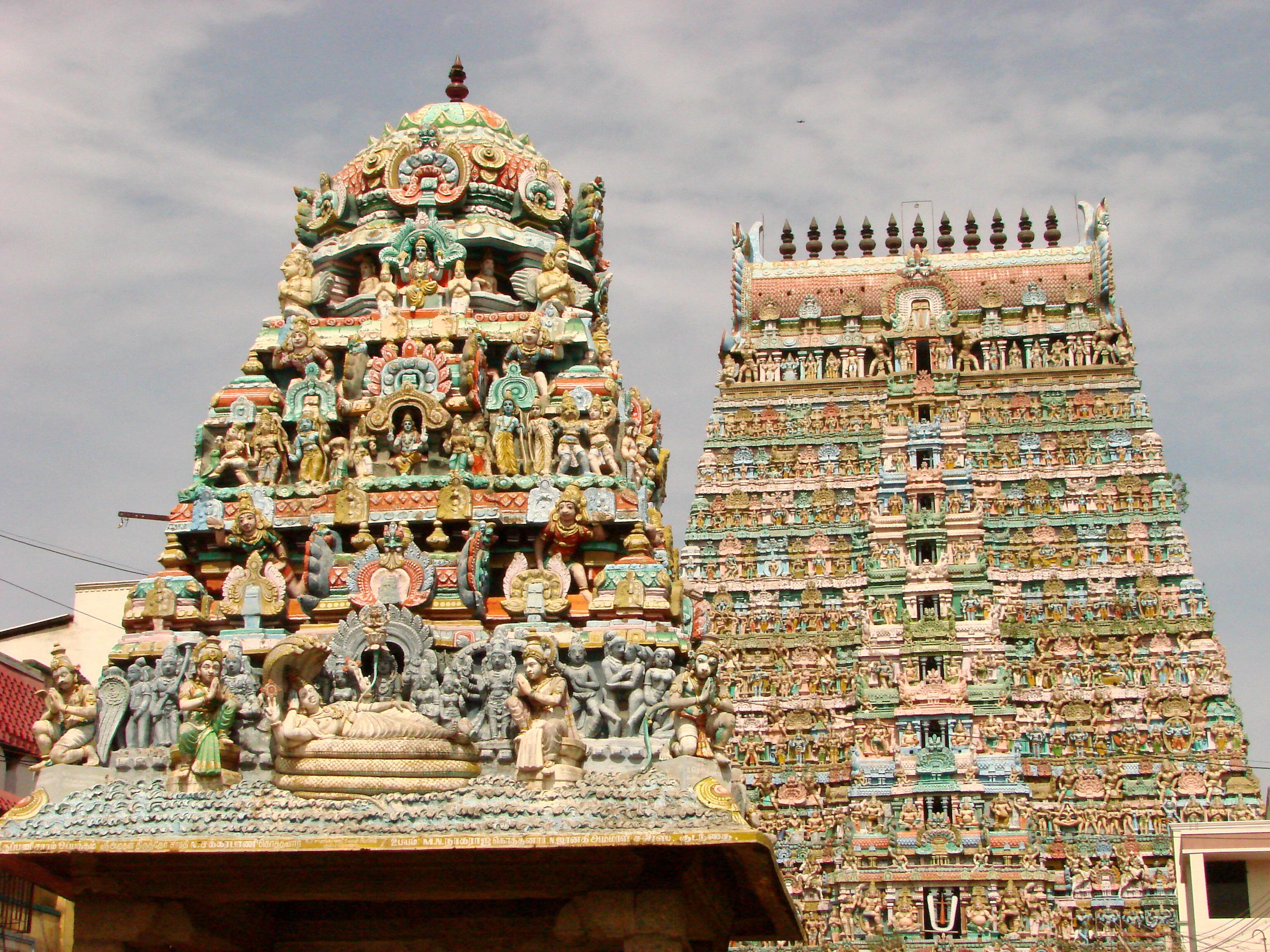 Gopuras_in_Kumbakonam_-_India