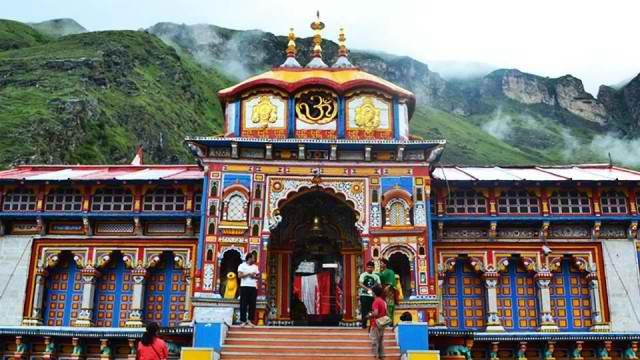 Badrinath-Temple-Uttarakhand-R22