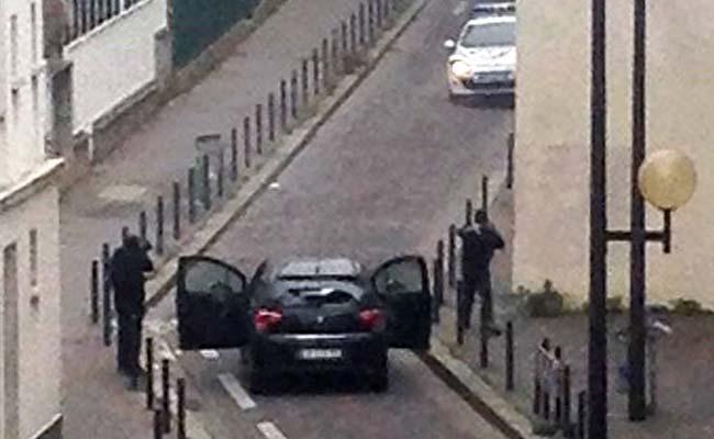 paris_armed_gunmen_650
