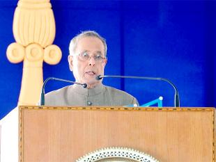 president-pranab-mukherjee-greets-people-on-eve-of-baisakhi-rongali-bihu