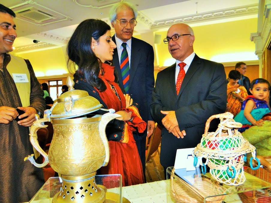 Neetu Jalali taking the dignitaries through the exhibits